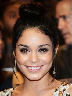 Vanessa Hudgens wearing H.Stern Copernicus earrings in 18K Noble Gold with diamonds at 69th Annual Venice Film Festival - 2012