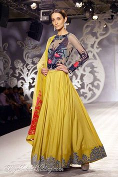 Varun Bahl lehenga collection for bridesmaids