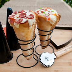 Pizza Cone Set – the new and clever way to eat pizza! The Pizza Cone Set includes everything you need to create a one-of-a-kind pizza party.