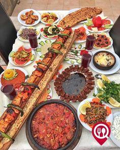 """Metrelik Kebap & Tava - Hasan Kolcuoğlu Restaurant / Adana (Adnan Menderes Bulvarı)  Çalışma Saatleri 10:00 - 00:00  0 322 232 50 71  0 322 232 50 72  45 / Metrelik Kebap Kişi Başı  30 / Tava Kişi Başı  Alkollü Mekan  Paket Servis Yok  Sodexo Multinet Ticket Setcart Yok  Açık Alan Var  Otopark Vale Parking Var DAHA FAZLASI İÇİN YOUTUBE """"YEMEK NEREDE YENİR"""" TAKİP ET... Fotoğraftaki Metrelik Kebap 6 kişilik hazırlanmış olup kişi başı fix fiyattır. Metrelik Kebap Menüsü Künefe Meyve Tabağı ve…"""