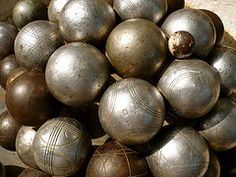 boules French Stuff, Meaning Of Christmas, Pyrenees, My Images, Interior And Exterior, Gypsy, Photographs, Old Things, Collections