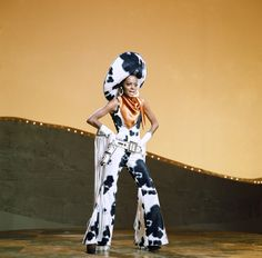 "queen-ross: ""Diana on the tv special G. On Broadway, 1969 "" Diana Ross Fashion Week, High Fashion, Women's Fashion, Cowgirl Costume, Essence Festival, Photo Star, Space Cowboys, Western Look, Western Wear"
