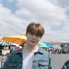 why is this pict so cute i wanna squish him Jaehyun Nct, Capitol Records, Nct 127, Valentines For Boys, Jung Yoon, Jung Jaehyun, Na Jaemin, Kpop, Wattpad