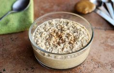 Peanut Butter Cookie Dough Overnight Oats (Dairy-Free and Sugar-Free). I use unsweetened almond milk and less fat than regular peanut butter and all the flavor.) I also add some regular skimmed milk on top when I eat it. Gluten Free Recipes For Breakfast, Gluten Free Breakfasts, Dairy Free Recipes, Dairy Free Overnight Oats, Overnight Oatmeal, Sweet Recipes, Real Food Recipes, Yummy Food, Healthy Recipes