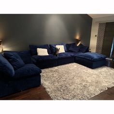 Bryant U-Sofa Bumper Sectional piece) - Photo by Kristi Leonard Living Room Sectional, Living Room Seating, Living Room Grey, Living Room Sets, Sectional Sofa, Living Room Designs, Sofas, Living Room Decor, Deep Couch