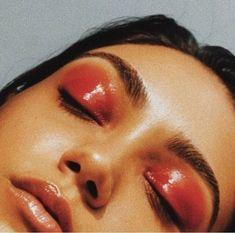 glossy red eyelids