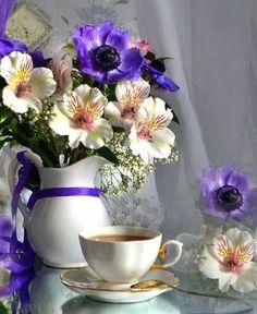 "lunamiangel: ""via Imgfave for iPhone "" Sunday Coffee, Good Morning Coffee, Coffee Cafe, Coffee Break, My Coffee, Goog Morning, Morning Msg, Flower Vases, Flower Arrangements"