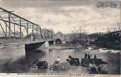 Navarro St. bridge over the SA River