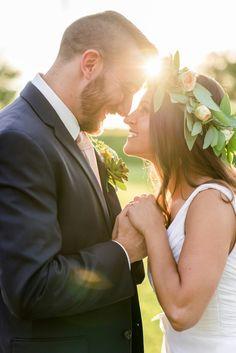 Vintage Rustic Wedding Uniquely Chic Vintage Rentals @vintagerentalri www.uniquelychicvintage.com Photo: Krissy Breece Photography #blushwedding #ivorywedding #Vintagewedding  #rusticwedding