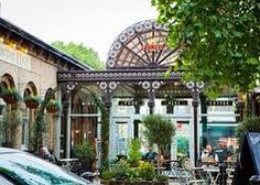 WEST   FOOD & DRINKS @tapontheline might be the prettiest looking pub around it feels like a relaxed local with it's sunny outdoor courtyard and friendly staff plus the food is fantastic. Head there for a @sipsmith's and a scrummy game pie. This airy rail station pub is ideal for a first date! #kew #kewgardens #westlondon #tapontheline #datenightLDN #datenight #summer #sunshine #inlovewithlondon #inloveinlondon #gin #pimms #flowers #date #firstdate #dateoftheday by _datenight_ldn