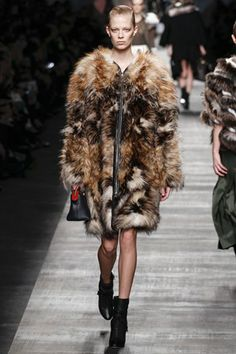 """Fendi Aw14/15 RTW """"Earth Tones and lashings of Fur and an Iconic Lagerfeld Bag"""""""
