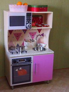 Покажу и расскажу как мы сделали кухоньку для дочери, так же поделюсь с вами исходниками картинок бытовой техники для печати. Сам каркас кухни сделал муж крестной, он занимается изготовлением мебели. У меня была задача превратить короб с дверками в кухню)))) Итак, я замерила... Kids Corner, Home Kitchens, Ikea, Kitchen Appliances, Room, Baby Doll House, Wooden Crafts, Mini Kitchen, Play Kitchens