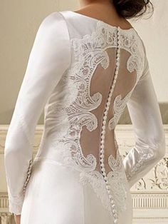 Alfred Angelo has recreated bella's wedding dress for $999.00