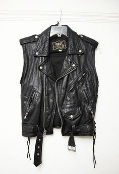 YOU PEOPLE DON'T KNOW HOW MUCH I WANT THIS. I NEED THIS. This is for in the summer when its to hot to wear a full leather jacket. So.... you know, you never have go somewhere without leather. :)