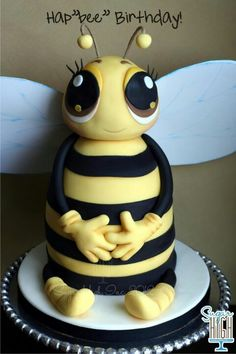 Hap - Bee | #kids #cakes / Love this cake for a birthday party. My beekeeper friend would love it!