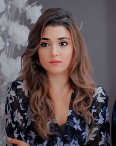 GetPics: (Hande Ercel) Cute Hayat Full Biography And Best Photos Turkish Women Beautiful, Most Beautiful Faces, Gorgeous Eyes, Most Beautiful Indian Actress, Beautiful Actresses, Cute Beauty, Beauty Full Girl, Beauty Women, Stylish Girl Images
