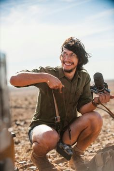 Source zphotography.com RICK SMOLAN: INSIDE TRACKS April 22, 2015 BY JIM COLTON  Adam Driver as Rick Smolan and Mia Wasikowska as Robyn Davidson in Tracks movie