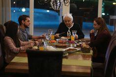 Babam ve Ailesi 12.Bölüm fragmanı ile 5 Aralık 2016 Pazartesi günü Kanal D ekranlarında yeni bölümü ile devam edecek. Konunun devamında yayınlamış olduğumuz Babam ve Ailesi 12.Bölüm fragmanını izleyebilirsiniz, iyi seyirler.