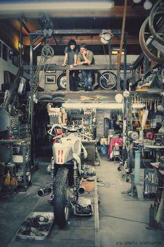 cafe racer Cafe Racer Garage G-Spot Customs Triumph - Pipeburn - Purveyors of Classic Motorcycles, Cafe Racers & Custom motorbikes Motorcycle Workshop, Motorcycle Shop, Motorcycle Garage, Mechanic Garage, Motorcycle Travel, Garage Shed, Man Cave Garage, Garage Workshop, Garage Loft