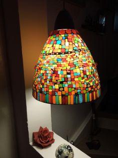 mischen Tiffany-D Tiffany Lamp Shade, Tiffany Chandelier, Mosaic Art, Mosaic Glass, Glass Art, Stained Glass Lamps, Stained Glass Windows, Mosaic Bottles, Glass Pendant Light