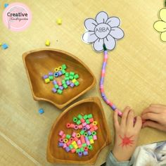 Pattern flowers. A great hands-on math center for practicing patterning skills in kindergarten.