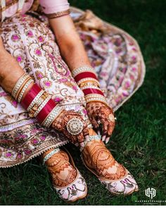 Wedding Shoes Guide: When To Wear Bridal Flats Vs Bridal Heels Sikh Wedding Dress, Wedding Heels, Punjabi Wedding, Wedding Bride, Wedding Stuff, Bridal Sandals, Bridal Bangles, Comfortable Bridal Shoes, Bollywood