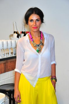 Love the colour combination of the necklace and culottes