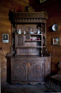 Stanisław Witkiewicz, Cupboard from the dining room in the House Under the Firs, made by Kazimierz Sieczka, 1898, private property, Photo: Michał Korta