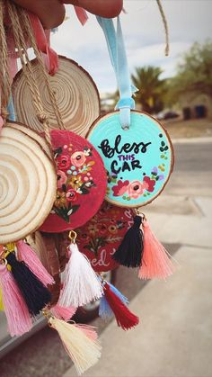 Crafts To Sell, Fun Crafts, Diy And Crafts, Arts And Crafts, Wood Slice Crafts, Wooden Crafts, Diy Painting, Painting On Wood, Rock Painting