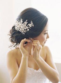 Sparkly winter wedding hair accessories http://www.mineforeverapp.com/blog/2015/09/02/sparkly-winter-wedding-hair-accessories/ #wedding #hair #hairaccessories