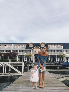 A lifestyle & fashion blog about a young canadian family living in the  woods.