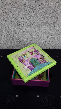 Caja de madera decorada tecnica decoupege