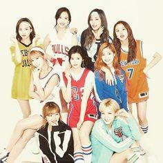 Twice es un grupo femenino surcoreano formado por JYP Entertainment a través del programa de telerrealidad SIXTEEN en 2015. El grupo está compuesto por nueve miembros: Nayeon Jeongyeon Momo Sana Jihyo Mina Dahyun Chaeyoung y Tzuyu. #twice #twicehk #Nayeon #jeongyeon #momo #sana #jihyo #mina #dahyun #chaeyoung #tzuyu #Asian #korean #like4like #kpop