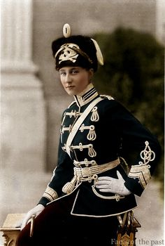 Princess Victoria Louise of Prussia. The only daughter of Kaiser Wilhelm II wearing the uniform of the Life Hussar Regiment (Leib Husaren Regt Nr as she was their Colonel in Chief. Princesa Victoria, Ernst August, Herzog, Queen Victoria, Military Fashion, Military Style, Military Jacket, Military History, Historical Photos