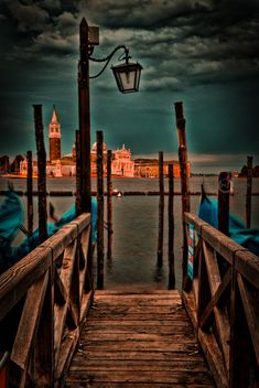 Venice, Italy (by Didier Baertschiger) Studio Background Images, Background Images For Editing, Black Background Images, Photo Background Images, Blurred Background, Background For Photography, Photography Poses, Hd Background Download, Picsart Background