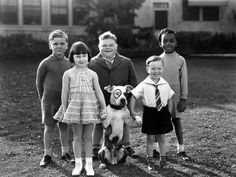 Photo: Serie Televisee Les Petites Canailles Little Rascals, C. Silent Screen Stars, Kids Comedy, 1920s Photos, Cute Kids Pics, Classic Comedies, American Pitbull, Old Shows, Child Actors, Historical Pictures