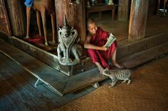 steve mccurry reading books - Google Search