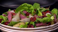 Sommarmeny med franska undertoner | SVT recept Potato Salad, Potatoes, Meat, Chicken, Ethnic Recipes, Food, Potato, Essen, Meals