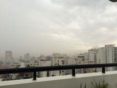 25 de fevereiro de 2015 - nuvens de tempestade escondem o sol
