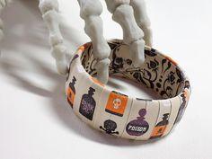 Halloween Bracelet  Apothecary Jewelry  Potion by Funkychunkies