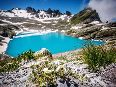 Wandern zu einem Bergsee - schon so oft haben wir es getan, trotzdem ist es immer wieder ein Highlight. ⠀⠀⠀⠀⠀⠀⠀⠀⠀⠀⠀⠀⠀⠀⠀⠀⠀⠀⠀⠀⠀⠀⠀⠀⠀⠀⠀⠀⠀⠀⠀⠀⠀⠀⠀⠀⠀⠀⠀⠀⠀⠀⠀⠀⠀⠀⠀⠀⠀⠀ Am Ufer liegen, aufs Wasser schauen und träumen. Was könnte schöner sein? Allenfalls die Rast auf einem Gipfel... ⠀⠀⠀⠀⠀⠀⠀⠀⠀⠀⠀⠀⠀⠀⠀⠀⠀⠀⠀⠀⠀⠀⠀⠀⠀⠀⠀⠀⠀⠀⠀⠀⠀⠀⠀⠀⠀⠀⠀⠀⠀⠀⠀⠀⠀⠀⠀⠀⠀⠀ Was für ein Typ seid ihr? Bergseechiller oder Gipfelstürmer? Location History, Mountains, Outdoors, Travel, Enjoy The Silence, Great Lakes, Swiss Alps, Outdoor, Voyage