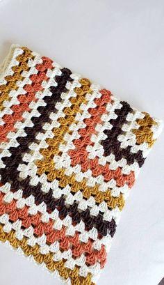 Granny Square Pattern Free, Crochet Granny Square Afghan, Afghan Crochet Patterns, Granny Squares, Baby Girl Crochet Blanket, Crotchet Blanket, Granny Square Projects, Crochet Projects, Crochet Crafts