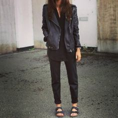 How to Style Your Birkenstocks Without Looking Like a Berkeley Mom Classy Outfits, Pretty Outfits, Stylish Outfits, Beautiful Outfits, Fall Outfits, Fashion Outfits, Fashion Ideas, Unique Outfits, Fashion Inspiration