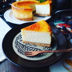 凄い量!!と、超絶濃厚しっとりなめらか♪我が家自慢のベイクドチーズケーキ♪ | しゃなママオフィシャルブログ「しゃなママとだんご3兄弟の甘いもの日記」Powered by Ameba Homemade Sweets, Homemade Cakes, Sweets Recipes, Cooking Recipes, Desserts, Japanese Cheesecake Recipes, Food Menu, No Cook Meals, Bakery
