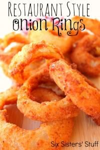 These were delicious! These taste just like onion rings from a local pizza place! While a tad time consuming they were easy and a huge hit. One onion made a lot. Restaurant Style Onion Rings Recipe from Six Sisters. Side Dish Recipes, Veggie Recipes, My Recipes, Appetizer Recipes, Cooking Recipes, Favorite Recipes, Onion Recipes, Dishes Recipes, Party Appetizers