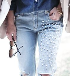 A FREE DISTRESSED Denim and PEARLS DIY? YUP. #diy #doityourself #jeans #jeansoftheday #howto #jeanhacks #fashion #style #fashionaccessories #jeansofig #pearls #peallover #fashionista #fashionblogger #fblog #wiw #jeansdenim #jeansmurah #jeansstyle #aboutalook #jeanswantita #instalovo #cute #jeansbaby