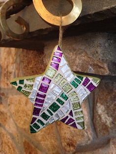 Mosaic Art Star Ornament Holiday Decoration in by hamptonmosaics, $35.00 Mosaic Diy, Mosaic Crafts, Mosaic Projects, Mosaic Glass, Mosaic Tiles, Christmas Mosaics, Stained Glass Christmas, Star Ornament, Xmas Ornaments