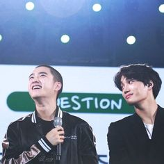 "🌫Simply Kaisoo🌫 ""Your smile brightens my world. when i'm surrounded by different people,your smile breaks through the crowd like the sun breaks through the clouds. that's why my eyes are able to see only you, because you are my world ~"" Kaisoo, Chanbaek, Kyungsoo, Chanyeol, Choi Daniel, Kim Jong Dae, Types Of Boyfriends, Exo Couple, The Way He Looks"