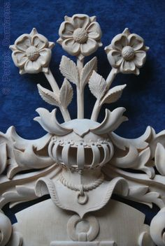 Meinhold Family Coat of arms Carved in limewood. Meinhold Family from Germany. Carved by Patrick Damiaens.  http://www.patrickdamiaens.be