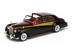 The TrueScale Minitatures 1/43 Rolls Royce Phantom V 1962 Sedanca De Ville is part of the TrueScale Miniatures 1/43 scale diecast model car range and displays some fantastic and intricate details.